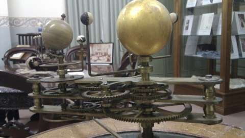 Orrery close up of mechanism