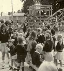 https://www.loreto.org.au/wp-content/uploads/2018/11/St.-Aloysius-Parish-Primary-School-Ballarat.jpg
